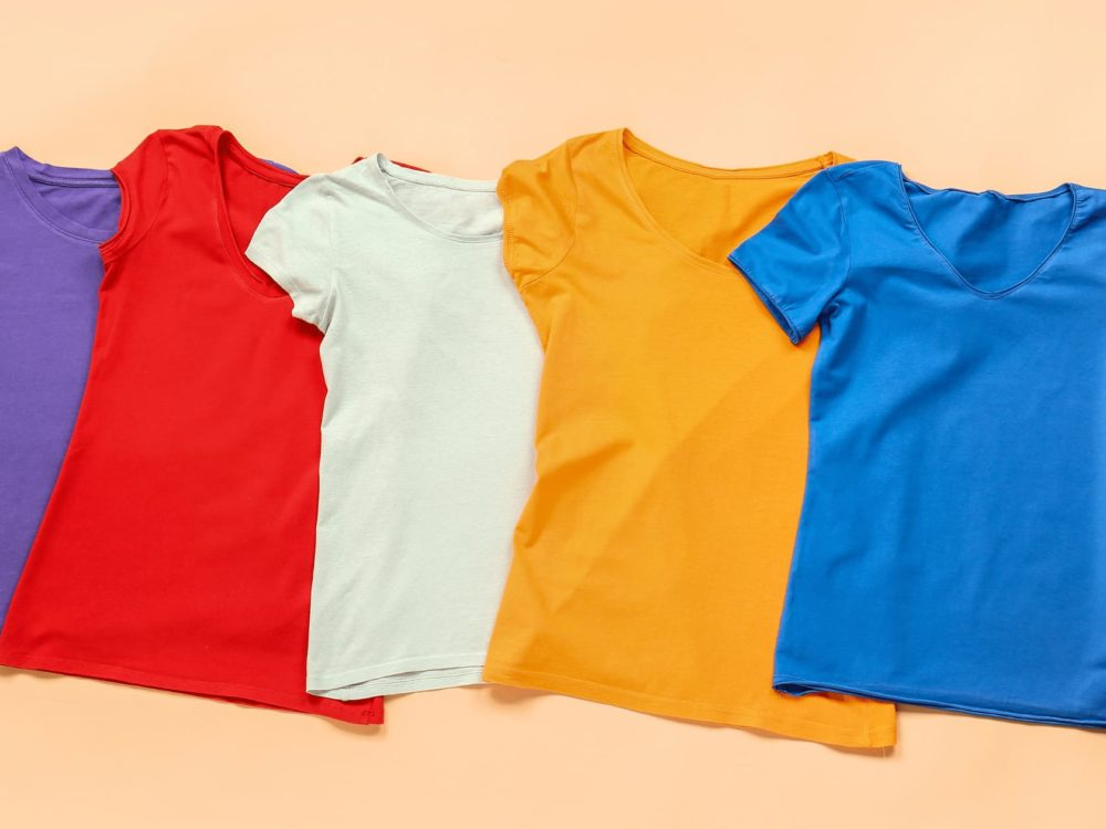 different color t-shirts variable products